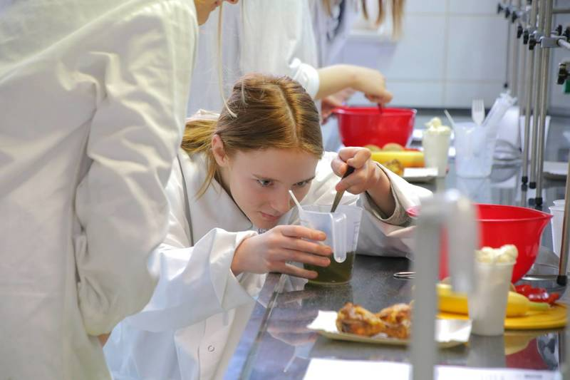 Uczniowie Z Dzierzoniowa Poznawali Tajniki Kuchni Molekularnej
